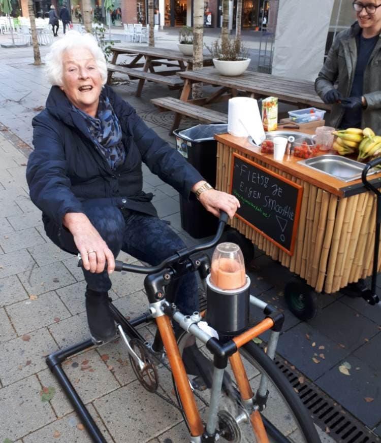 in rijswijk met de smoothiefiets en smoothiebar